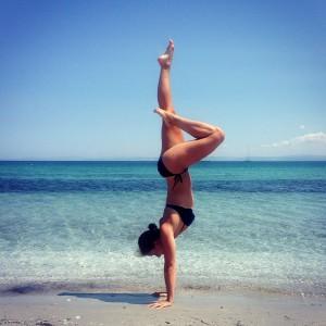 Anki Handstand